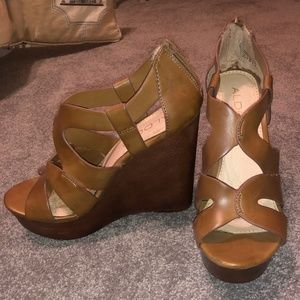 Aldo Brown Leather Wedge Sandals Size 8.5